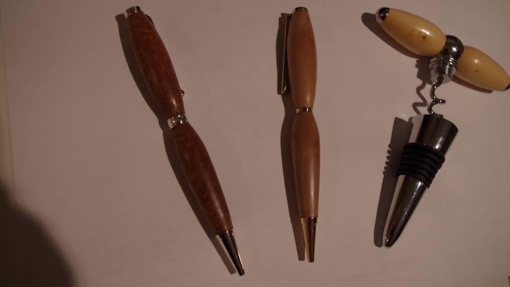 stylo et tire bouchon
